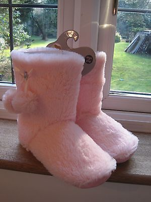 Cosy Toes Ladies fur slippers  Memory foam slipper boots size 3 -4 pale pink