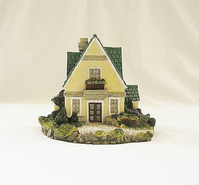 1997 Dated Olde England's Classic Cottages YORKSHIRE HOUSE Figurine