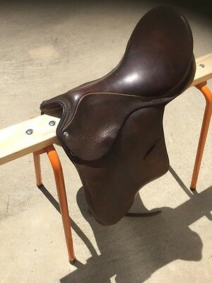 Brown leather saddle - AP 17""