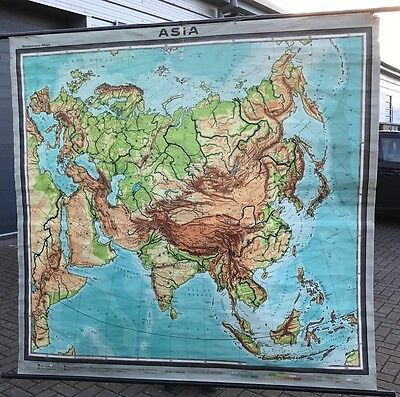 Very Large 1930's Quality School Wall Map. Open To Offers.