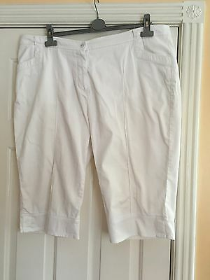 Ladies Golf Cut Off Trousers Green Lamb Size 20 White
