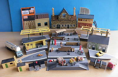 HORNBY OO STATION PLATFORM SECTIONS People & Accessories etc - good variety