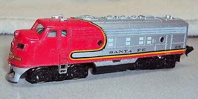 N Scale Bachmann Santa Fe Warbonnet Livery Alco Powered Diesel Locomotive