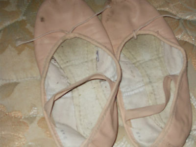 Girls Ballet Shoes Size 2 1/2 B