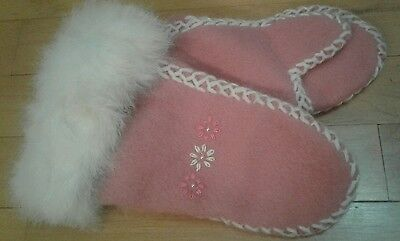 Inuit Style Baby Girl Mittens Pink Wool White Fur Stitching Embroidered Beads