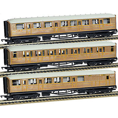HORNBY Coaches LNER 2x Composite 1x Brake simulated teak R1183