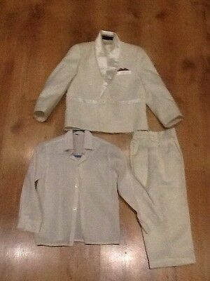 boys page boy suit age 2. ( available age 1 also) 3 piece