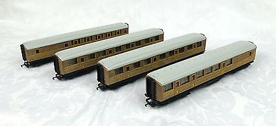 Rake of 4 x Hornby Railroad Gresley LNER coaches No.4236, 4237, 22356 and 22357