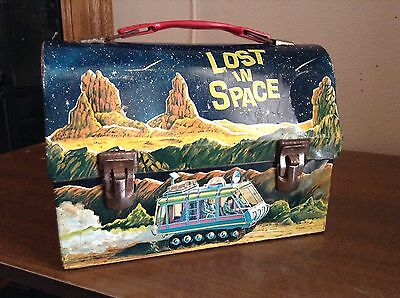 1967 lost in space metal dome lunchbox. average shape. great space scenes