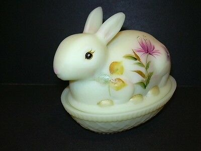 Fenton Glass HP BURMESE Easter BUNNY RABBIT ON NEST COVERED BOX Candy DISH NIB