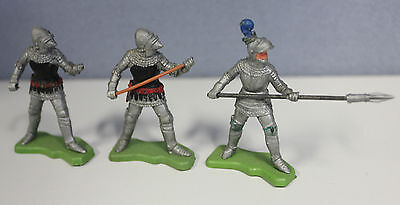 3 Herald UK English Medieval Knights.54mm factory painted. Herald UK 1970's