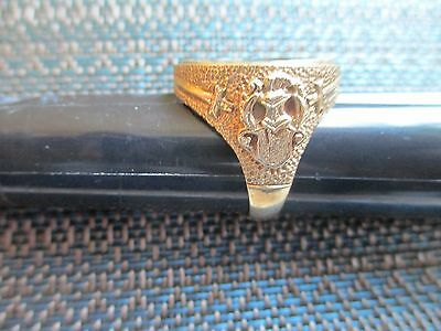 Full gold Sovereign Coin Ring.    .375 Gold   Knight and sword design.   Awesome