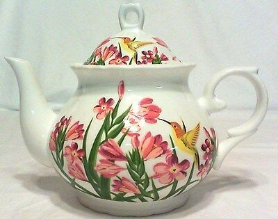 "Vintage Humming Bird Teapot 4 Cup Gorgeous, 6-3/4"" Tall Unmarked Mint"