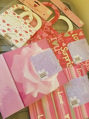 Giftbags & Treat Boxes Pink / Love