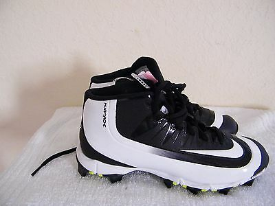 Nike Youth Baseball Hurache Cleats, Black and White, Size 4. Brand new, unused