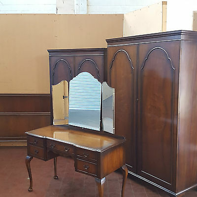 Antique/reproduction Flamed Mahogany 4 Piece Bedroom Suite Furniture