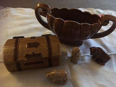 Wade Collectables - Treasure Chest, Urn and Whimsies