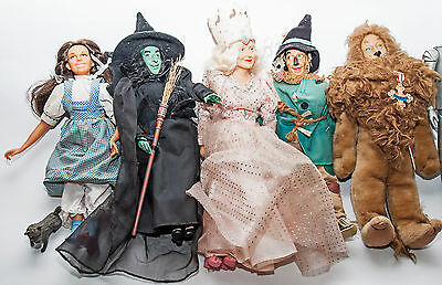 1987 Turner Presents Hamilton Gift Wizard of Oz Doll Set 8 Dolls & 5 Road Stands