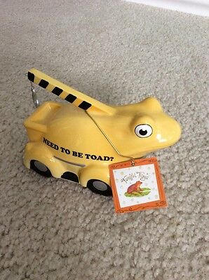 "WESTLAND GIFTWARE FANCIFUL FROGS ""Toad Truck"" CERAMIC FROG # 11907 Tow Truck"