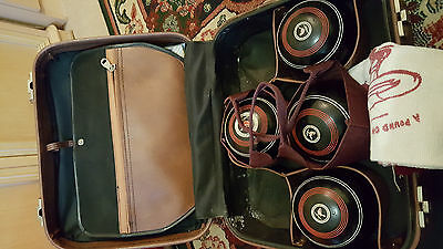 Set of 4 vintage Henselite lawn bowls size 3 in leather case with accessories