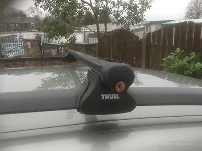 Thule roof bars and keys to fit roof rails