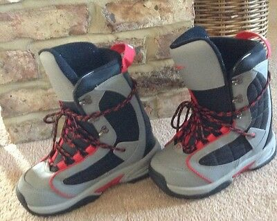 snowboard boots UK 8 / US 9 Excellent Condition