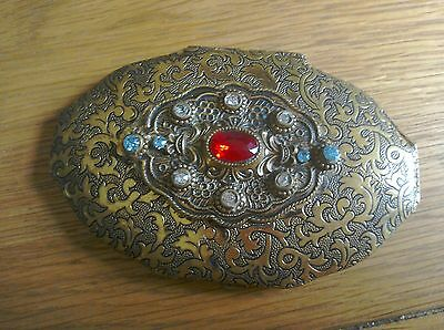 Pretty vintage look embossed jewelled powder compact