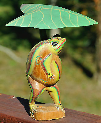 Attention Frog Collectors-Wood Carved Frog & Frog Magnifier