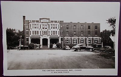 OLD REAL PHOTO B&W POSTCARD THE CHATEAU,HUNTINGDON,QUEBEC IN CANADA 1930/40s