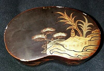 Exquisite Japanese Lacquer Snuff Box