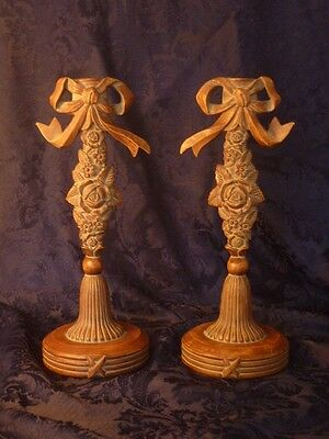 Vintage pair of resin candlesticks Louis XVI Shabby Chic paire bougeoirs résine