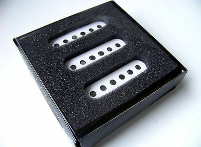 FENDER Classic 70's Re-issue Vintage Stratocaster / Strat Single Coil Pickup Set