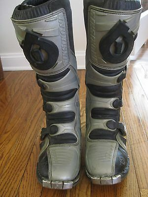 SixSixOne Flight Men's Motorcycle Boots, Size 10 Preowned Made in Italy