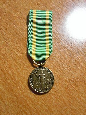 United States Military Army / Navy  Spanish War Service Mini Medal