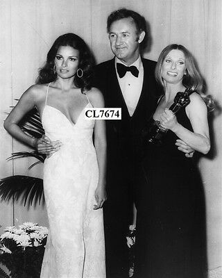 Raquel Welch, Gene Hackman and Cloris Leachman at the 44th Academy Awards Photo
