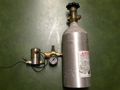 CO2 Bottle with regulator and gauge used