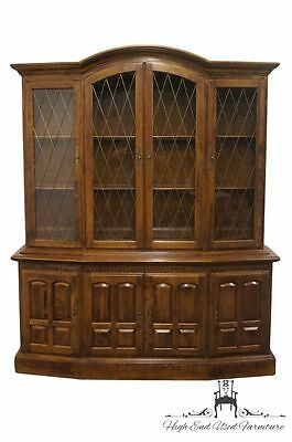 ETHAN ALLEN Classic Manor 66″ Lighted Display / China Cabinet
