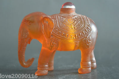 China Decorated Resin Carving Vivid Elephant Auspicious Snuff Bottle