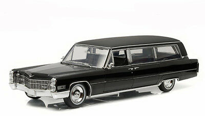 Greenlight Collectibles 1966 Cadillac S&S Limousine Black 1/18