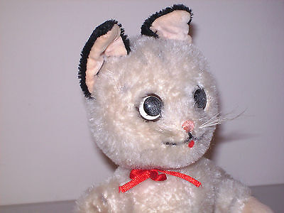 VINTAGE POST WAR SCHUCO CAT good condition with tag on foot