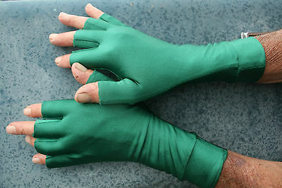 GREEN Size SMALL Lycra 1/2 Finger Sun Glove 50+UPF Outdoor Sports fishing golf