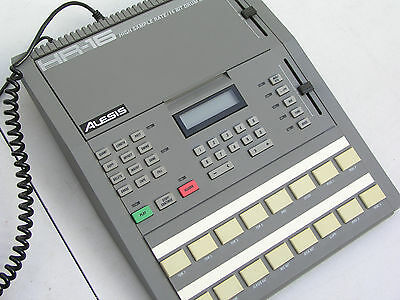 Alesis HR 16 Drum Machine - drumcomputer