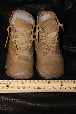 Antique Victorian Childs Boots, Tan Shoes with Character. #10
