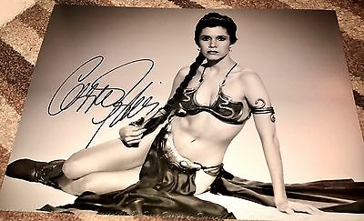 Carrie Fisher Hand Signed PHOTO HUGE 16x12 PROOF & COA STAR WARS PRINCESS LEIA