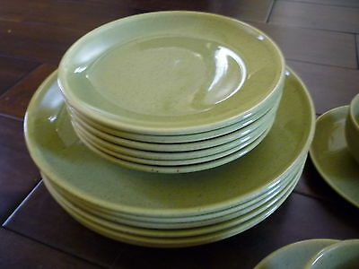 Laurel of California Pottery Green 6  Dinner and 6 Salad Plates +extras