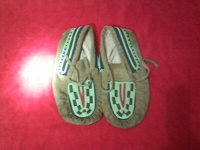Native American Indian vintage beaded leather Moccasins