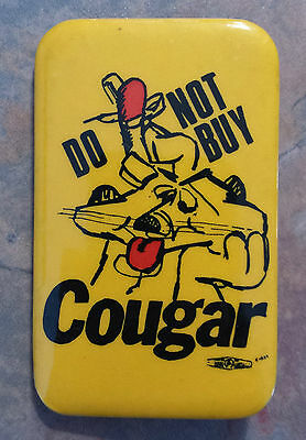 Do Not Buy Couga' Boot & Shoe Workers Trade Union Strike 1980s Pinback Bata