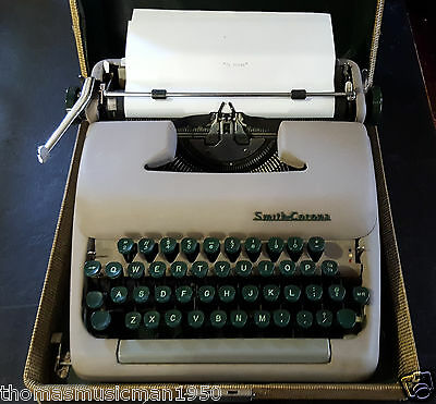 Vintage 1950'S Smith Corona Clipper Portable Manual Typewriter w/ Hard Case