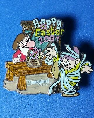 Grumpy & Dopey Happy Easter Disney Pin LE 3D Snow White DLR