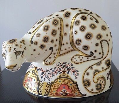 """Royal Crown Derby Paperweight """"Snow Leopard"""" Boxed First Quality Gold Stopper"""